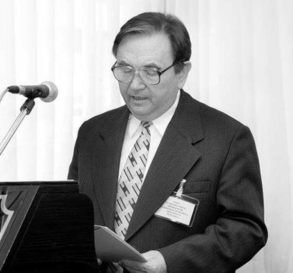 Довгович Левко